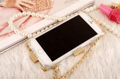 Coque CHANEL élégante avec lego double C avec une chaîne pour iPhone 6 6 plus sur www.lelinker.fr Lego, Chanel, Coque Iphone 6, 6s Plus, Html, Leather, Necklaces, Legos