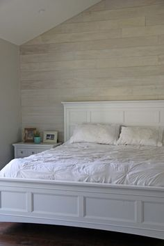 white washed plank walls diy for peaceful bedroom Home, Home Bedroom, Ship Lap Walls, Wall Behind Bed, Bedroom Diy, White Rooms, White Wash Walls, Wood Bedroom, Basement Master Bedroom