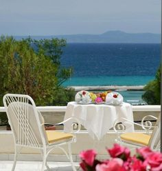 Easter in Athos Palace Hotel - Halkidiki, Greece Outdoor Chairs, Outdoor Furniture Sets, Outdoor Decor, Halkidiki Greece, Palace Hotel, Planet Earth, Planets, Easter, Spaces