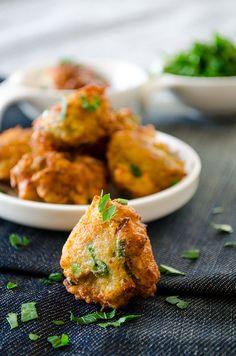 Fried Zucchini Balls. Great way to make your family love zucchini! These balls make perfect breakfast, mezze or side dish. A wonderful vegetarian alternative to meatballs!   giverecipe.com   #zucchini #vegetarian #breakfast #savory