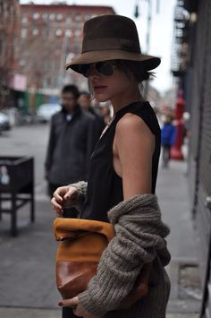Street style looks for spring fashion Street Style Vintage, Street Style Chic, Look Fashion, Womens Fashion, Fashion Trends, Fall Fashion, Looks Jeans, Winter Stil, Cooler Look