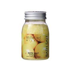 バスタブに入れた瞬間に広がる香り。 地中海の塩で芯から温まるリラックスタイムを。ギフトにも最適! ●お湯約200Lに対して40g(キャップ3杯程度)を目安にご使用ください。 香りのバリエーションは「ナチュラル」シリーズが5種、「SELECTED」シリーズガ3種です。 詰め合わせでギフト仕様も承ります。お気軽にお申し付けください。 同じ香りのソープ(固形石けん)もございます、香りを揃えてセットのギフトもおすすめです。