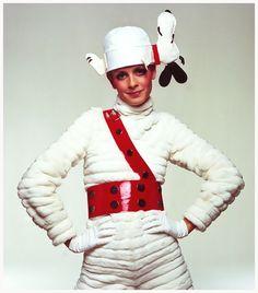 Twiggy in snoopy cap, 1967 Bert Stern