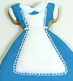 Baking in Heels: Alice in Wonderland cookie tutorial