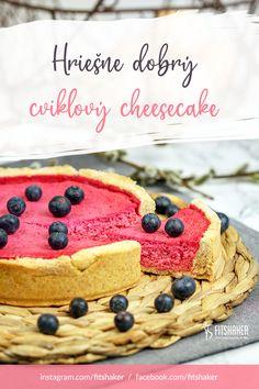 Cviklu najčastejšie poznáme vo forme šalátov, placiek alebo slaných dobrôt. Môžeme ju však použiť aj v sladkej forme, kde koláč nielen krásne zafarbí, ale aj ochutí. Neváhaj a ochutnaj tento netradičný cheesecake! Cheesecake, Fit, Ethnic Recipes, Cooking, Cheesecake Cake, Cheesecakes, Cheesecake Bars