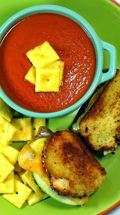 FRESH Tomato Tomato Soup... What's better than a Tomato Soup???  how about a big Crock Pot filled with soup made from fresh from the vine (Farmer's Market, your neighbor's garden or even your own vines) TOMATOES!  LOADED with flavors unlike the canned.  Simply delicious the way it should be!