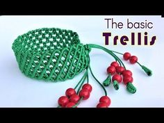 Macrame bracelet tutorial- The basic trellis pattern - Simple but pretty idea craft - YouTube #jewelryset