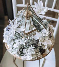 Wedding Hamper, Wedding Gift Baskets, Wedding Gift Boxes, Bridal Gift Wrapping Ideas, Cake Designs For Girl, Creative Wedding Gifts, Afghan Wedding, White Wedding Decorations, Flower Box Gift