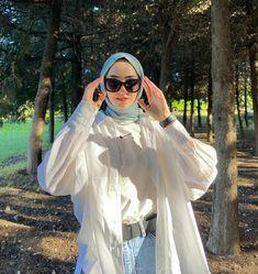 Modesty Fashion, Muslim Fashion, Casual Hijab Outfit, Cute Casual Outfits, Modest Outfits Muslim, Hijab Style Tutorial, Photographie Portrait Inspiration, Hijab Fashionista, Hijab Fashion Inspiration