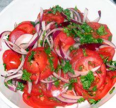 Κουζίνα Chachi της: Ντομάτα, κόκκινο κρεμμύδι και σαλάτα κόλιανδρο