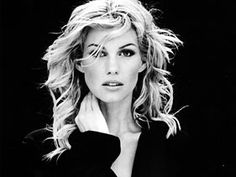 Faith Hill  One of the biggest female country stars of the '90s and 2000s, Faith Hill also took advantage of the inroads Shania Twain made into pop territory, becoming an enormous crossover success by the end of