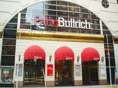 """A very chic Shopping Mall, the """"Patio Bullrich""""."""