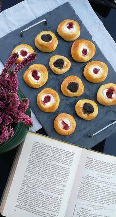 Moravské koláče – Recepis.sk Pineapple, Fruit, Food, Pastries Recipes, Delicious Dishes, Meal, Pine Apple, Essen, Meals