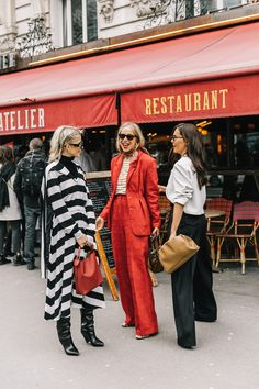 European Street Style | Love Parisians and they fashion Stylish outfit ideas for women who follow fashion.