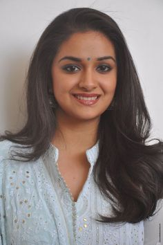 Keerthy Suresh stills at Mahanati Film Interview - South Indian Actress Lovely Eyes, Lovely Smile, South Actress, South Indian Actress, Beautiful Bollywood Actress, Beautiful Indian Actress, Indian Actresses, Actors & Actresses, Artists For Kids