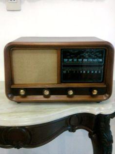 Lindo Rádio Valvulado Invictus - Funcionando.