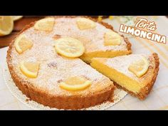 Torta Limoncina un dolce facilissimo e profumato che piacerà a tutti! Con una base di cheesecake e un ripieno di brownies al limone! Lemon Desserts, Lemon Recipes, Cake Recipes, Biscotti, Yummy Treats, Yummy Food, Mini Tortillas, Torte Cake, Italian Cookies