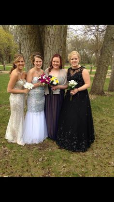 Friends make prom 10 times better