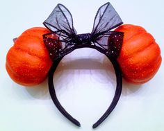 Handmade Pumpkin Minnie Mouse Ears! Perfect for Mickey's Not So Scary Halloween Party! #disney #minniemouseears