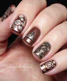 Harry Potter Fandom manicure - stamping nail art | Sassy Shelly
