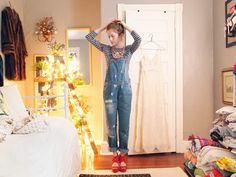 how i wore it: overalls                               Love the lighted ladder in this room