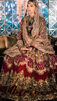 Wedding Dresses A Line Train .Wedding Dresses A Line Train Pakistani Bridal Couture, Pakistani Fashion Party Wear, Pakistani Wedding Outfits, Pakistani Dresses Casual, Indian Bridal Outfits, Pakistani Dress Design, Indian Dresses, Bridal Sarees, Latest Bridal Dresses