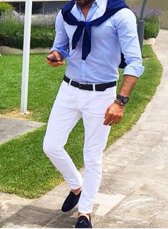 mens fashion style white chinos and shirt Outfits Casual, Business Casual Outfits, Mode Outfits, Summer Outfits, Fashion Outfits, Fashion Sale, Paris Fashion, Fashion Fashion, Street Fashion