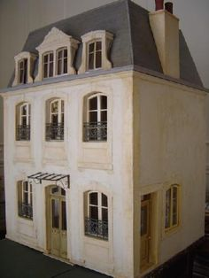 french miniature house facade Wow this site is full of french doll houses- so fun!
