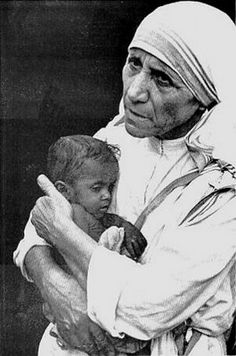 Famous sayings, quotes from famous people: Peace quotes from Mother Teresa Juan Pablo Ll, Saint Teresa Of Calcutta, Mother Teresa Quotes, Little Buddha, Quote Of The Week, Quotes By Famous People, Famous Sayings, Catholic Saints, Patron Saints