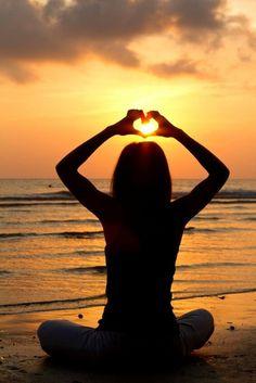 De basisenergie van het Universum is Liefde. De energie van de liefde bevindt zich om je heen en in jezelf.
