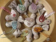 / linen bird ornaments by patchwork pottery / Bird Crafts, Felt Crafts, Crafts To Make, Arts And Crafts, Sewing Crafts, Sewing Projects, Craft Projects, Bird Patterns, Craft Patterns