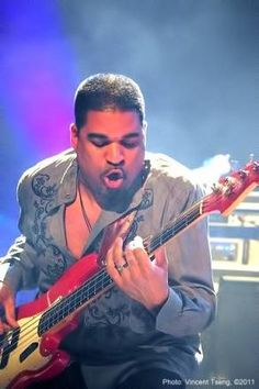 Oteil Burbridge  Photo, Vincent Tseng 2011