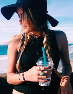 Here are 60 beach hair styles for your summer inspiration. Summer Goals, Summer Of Love, Summer Chic, Good Vibe, Look Boho, Tan Lines, Mode Style, Summer Vibes, Summer Outfits