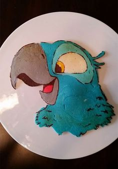 Dad Makes Colorful Artistic Pancakes For His Kid