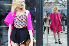 cute printed crop top on hanne odiele