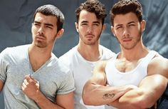 I'm gonna take a moment to stare and ponder whats going on in this picture... Jonas Brothers...