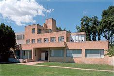 «La Villa de Noailles» Robert Mallet Stevens 1923 :          UN PAQUEBOT IMMOBILE    La villa Noailles figure parmi les toutes première...