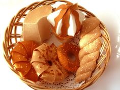 DIY felt DonutsChiffon cakeice creamPDF Pattern via par fairyfox