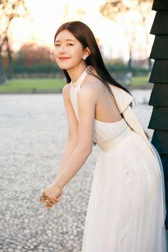 Beautiful Chinese Girl, Beautiful Girl Image, Simple White Dress, Indian Wedding Outfits, Cute Girl Face, Just Girl Things, Ulzzang Girl, Dream Dress, Asian Beauty