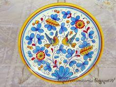 #Piatto da muro #dipinto a mano #ceramica #Italy #Deruta http://ceramicamia.blogspot.it/p/piatti.html