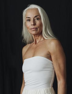 61 Years Old Model Looks Incredible - Page 14 of 20 - Healthy-Sporty-Beautiful