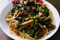 Hungarian Recipes, Spaghetti, Ethnic Recipes, Food, Red Peppers, Essen, Meals, Yemek, Noodle