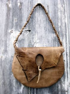 Rustic Lovers Soft Taupe Natural Edge Leather Bag by por stacyleigh