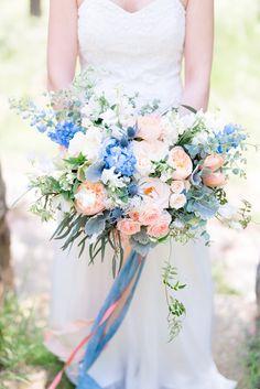 букет невесты, весна, розовый, белый, персиковый, зелень, розы, пионы, эвкалипт, голубой, дельфиниум