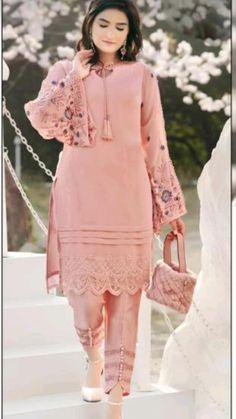 Salwar Designs, Kurti Neck Designs, Mehndi Designs, Pakistani Fashion Casual, Muslim Fashion, Punjabi Suits Party Wear, Dress Sewing Patterns, Crochet Patterns, Kids Dress Wear