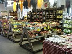 Using rough sawn lumber keeps it rustic with three level options. Produce Displays, Store Displays, Produce Stand, Bulk Store, Grocery Store, Zero Waste Shop, Shop Shelving, Shelving Units, Rough Sawn Lumber