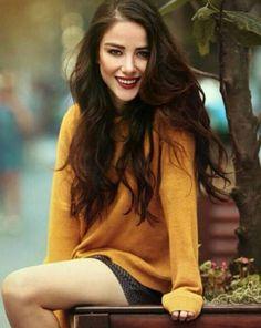 Turkish Women Beautiful, Turkish Men, Turkish Beauty, Turkish Actors, Beautiful Celebrities, Beautiful Actresses, Straight Eyebrows, Amazing Halloween Makeup, Actor Studio