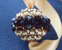 Swarisimo beaded pendant