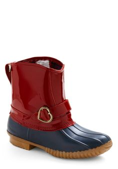 If these had a high heel, I'd REALLY be in love. Via @modcloth Rachel Antonoff for Bass #shoes #rainboots