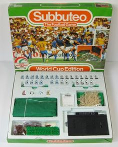 1986 Mexico World Cup Edition of SUBBUTEO. This set includes the two world cup squads from the final (Argentina and West Germany) together with a pitch, goals, flags, balls, scoreboard, pitch surround fencing and the rules leaflet.